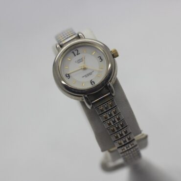 Carriage Indiglo watch with golden colored accents