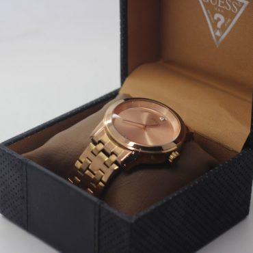 rosegold guess watch.