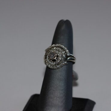 Beautiful 14k white gold diamond engagement ring.