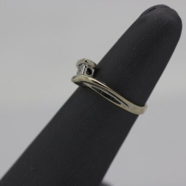 Beautiful 10k white gold diamond ring.